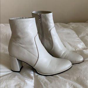 White Marc Fisher boots